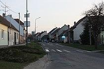 Ratíškovice - hlavní ulice.JPG