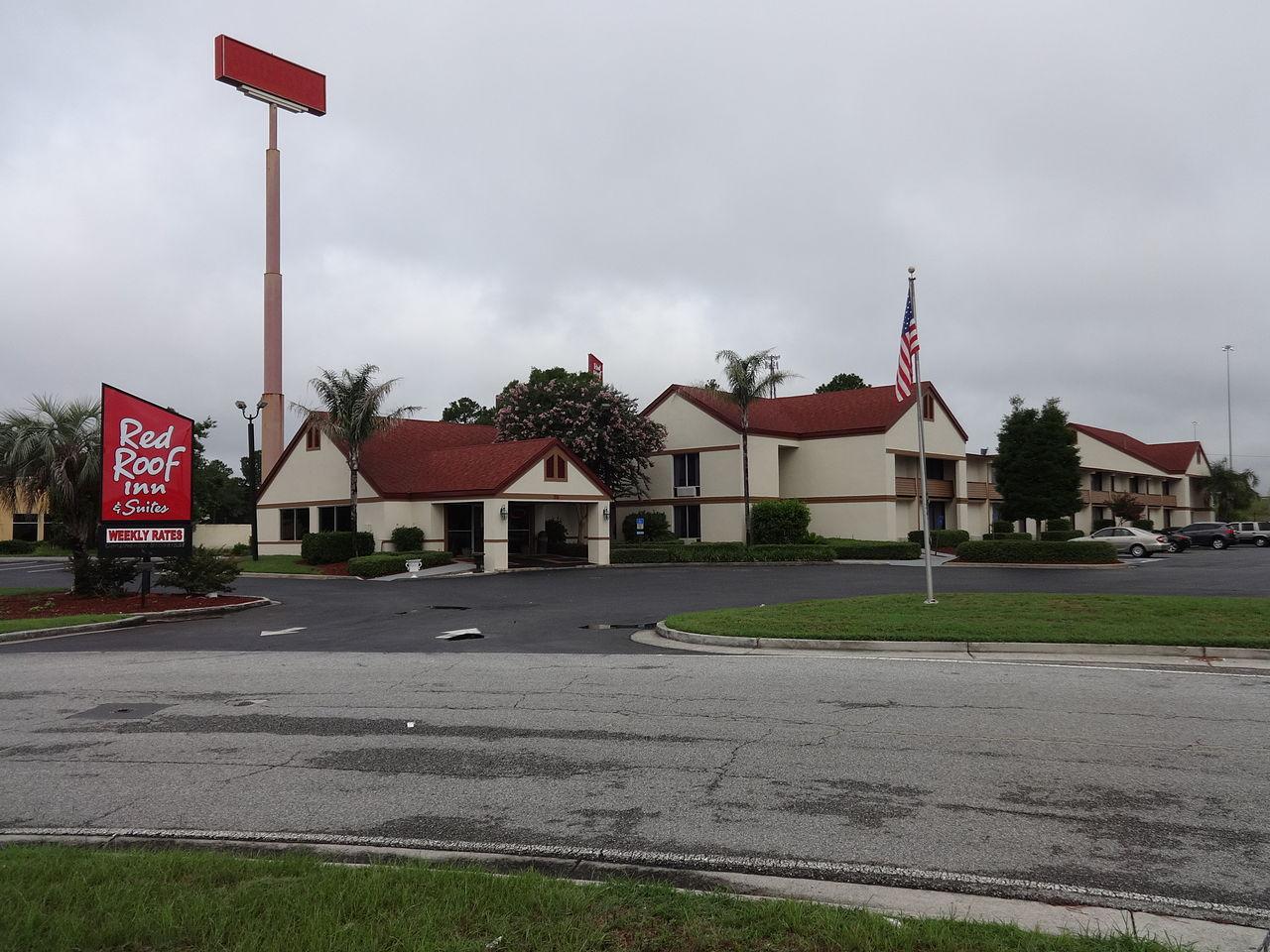 File:Red Roof Inn U0026 Suites, Dock Junction.JPG