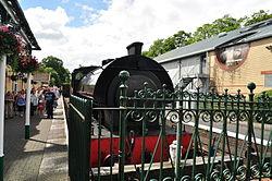 Repulse at Lakeside railway station (6623).jpg