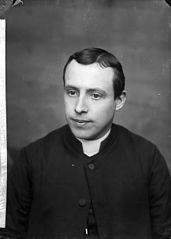 Revd D Jones, Trefeglwys (CM)