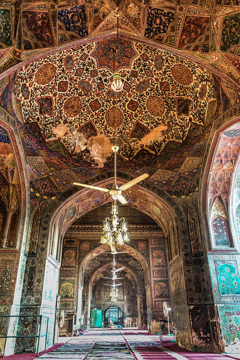 Revised photo Interior of Wazir Khan Mosque