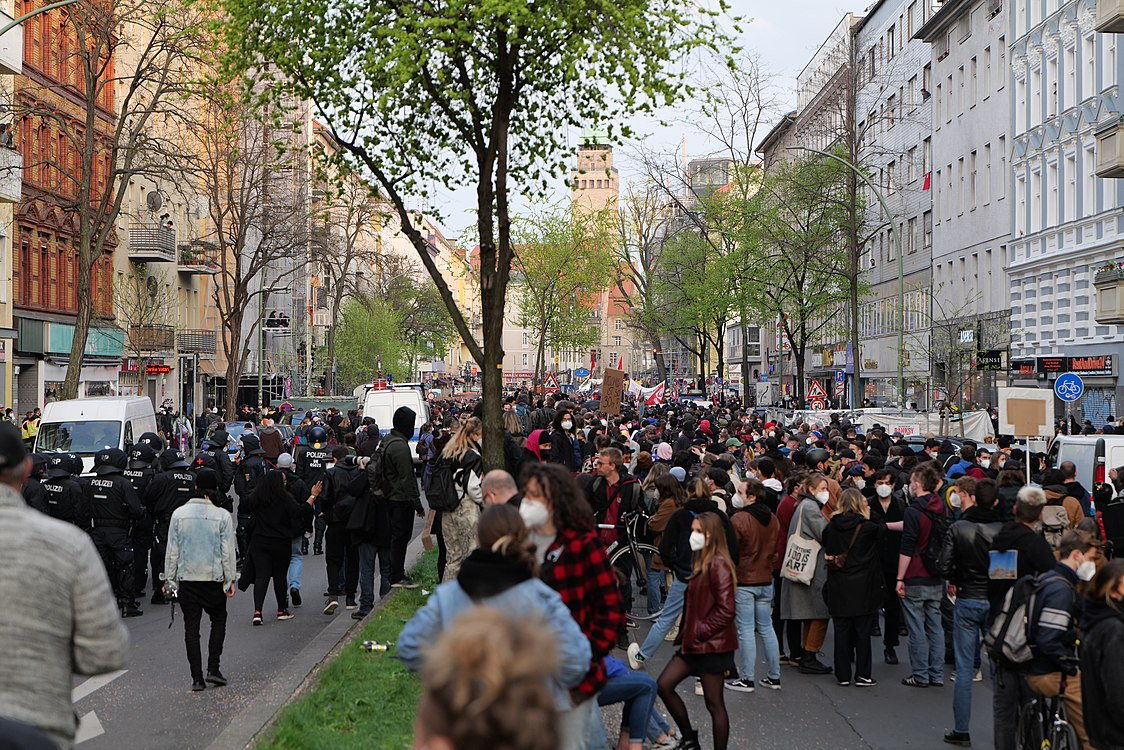 Revolutionary 1st may demonstration Berlin 2021 77.jpg