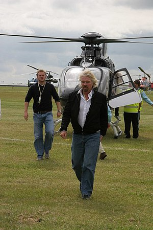 English: Richard Branson Richard Branson arriv...