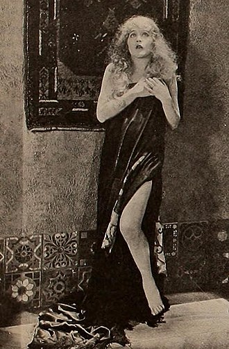 The Right to Love (1920 film) - Still with Mae Murray
