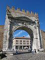 Rimini, arco di augusto, lato esterno 01.JPG