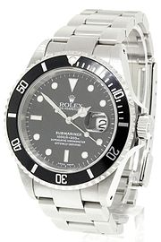 The Rolex Submariner is an officially certified chronometer