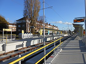Roundthorn Metrolink station (2).jpg