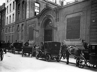 Crédit Foncier de France - The headquarters of Credit Foncier de France, 19 rue des Capucines, c. 1913, architect Antoine-Nicolas Bailly