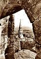 Saint-Saturnin d'Apt l'église vue du château.jpg