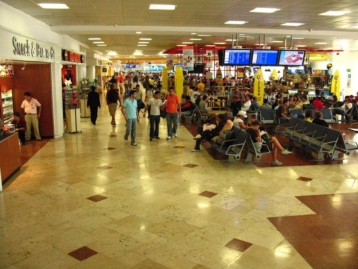 Sala embarque aeropuerto de Cancún