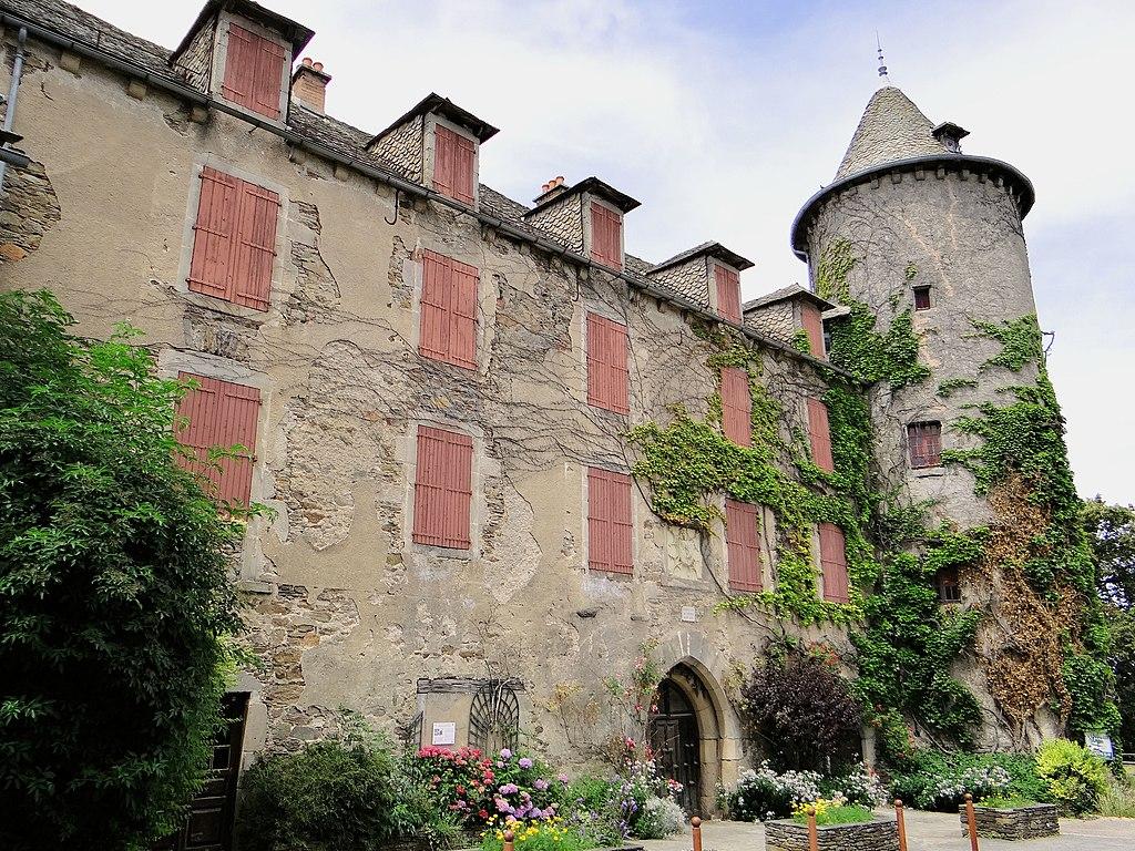 Salles-Curan - Château de l'évêque de Rodez -01.JPG