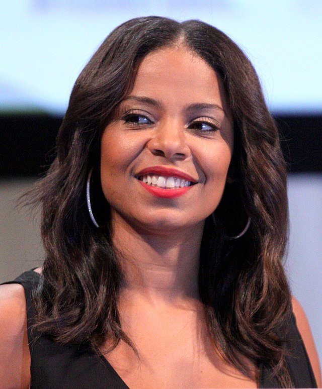 The 45-year old daughter of father Stan Lathan and mother Eleanor McCoy, 170 cm tall Sanaa Lathan in 2017 photo