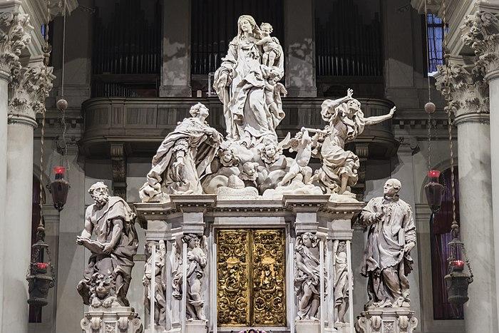 Santa Maria della Salute (Venice) - Main altar - Sculptures by Giusto Le Court.jpg