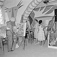 Schildersklas aan het werk in een atelier in het kunstenaarsdorp Ein Hod., Bestanddeelnr 255-2765.jpg