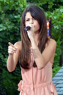 Description de l'image Selena Gomez Live on Good Morning America 02 (cropped) 2.jpg.