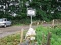Signpost a West Crichie - geograph.org.uk - 470223.jpg
