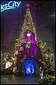 Singapore Raffles City Christmas Tree-2 (24058661941).jpg