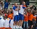 Sneijder Heitinga.jpg