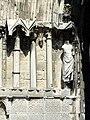 Soissons (02), abbaye Saint-Jean-des-Vignes, abbatiale, façade occidentale, portail de la nef, piédroit gauche, niches à statues.jpg