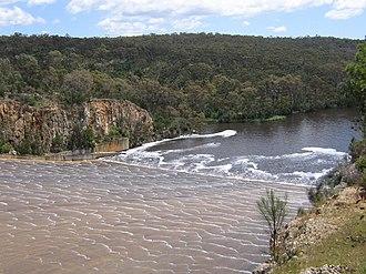 South Para Reservoir - Image: South Para spillway
