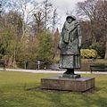 Standbeeld van Wilhelmina, in park - Utrecht - 20364880 - RCE.jpg