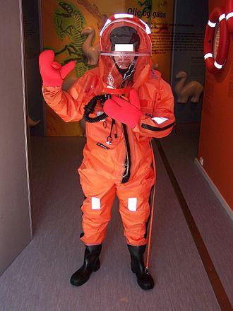 Survival suit - Image: Statoil Überlebensanzug