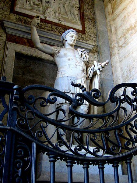 File:Statua di Costanzo II - San Giovanni in Laterano.jpg
