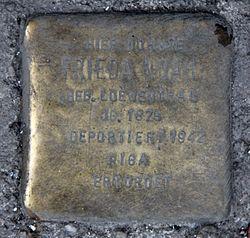 Photo of Frieda Noah brass plaque
