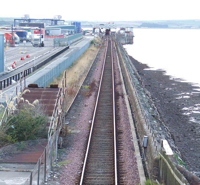 File:Stranraer Harbour Station 05-09-01 59.jpeg