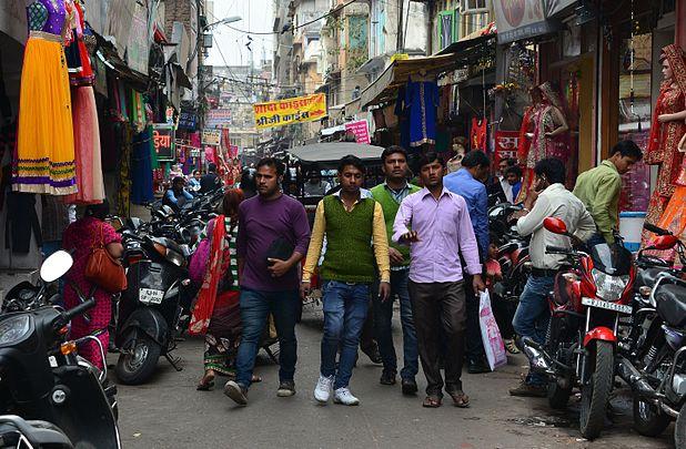 Street scene in Jaipur.jpg