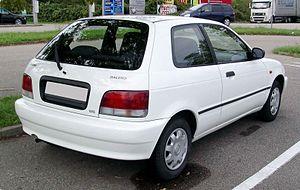 Suzuki Cultus Crescent - Image: Suzuki Baleno rear 20080220
