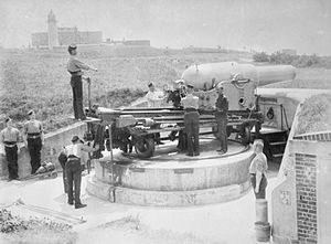 Southsea Castle - RML 9-inch 12 ton (22.8 cm 12,192 kg) gun emplacement in the west battery, c. 1890