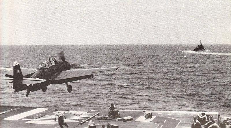 File:TBM-3E VC-9 takeoff CVE-62 Jun1945.jpg
