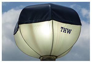 THW Leuchtballon Powermoon.jpg