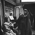 Televisiestuk Drie stuivers opera, Enny Mols-de Leeuwe (mevr Peachum), Hans K, Bestanddeelnr 911-7342.jpg