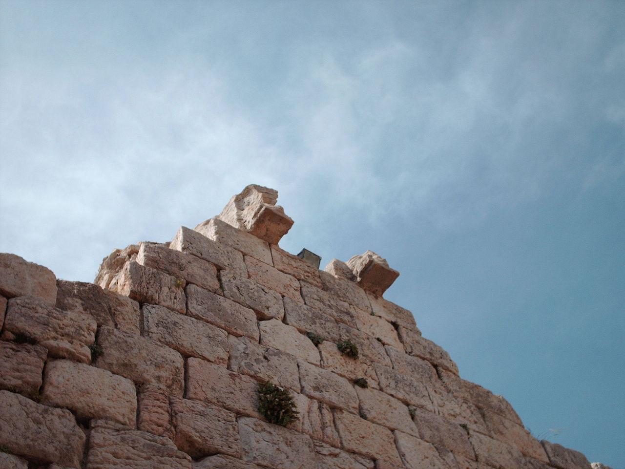معبد آناهیتای بیشاپور، کازرون