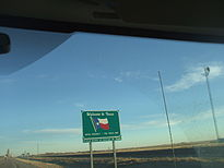 Texas state line sign, US87 southbound.jpg