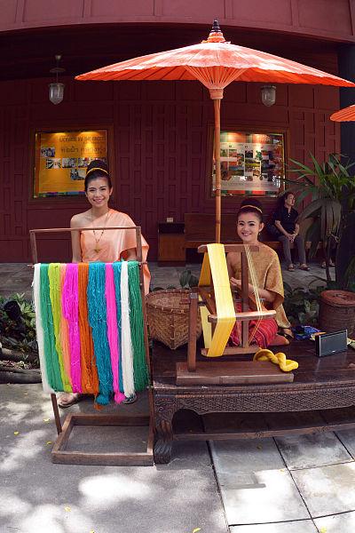 File:Thai Woman at Silk looms Jim Thompson House photo D Ramey Logan.jpg