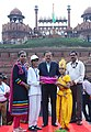 The Minister of State for Defence, Dr. Subhash Ramrao Bhamre presented the mementos to the School Children, during the Independence Day Celebrations - 2017 rehearsals, at Red Fort, in Delhi on August 11, 2017.jpg