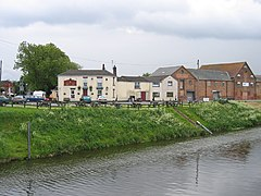 The Wheatsheaf Inn, Hubbert's Bridge, Lincs - geograph.org.uk - 172771.jpg