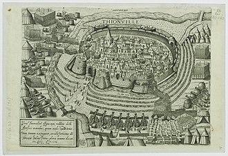 Siege of Thionville (1558) - Image: Thionville Vue cavalière du siège de 1558