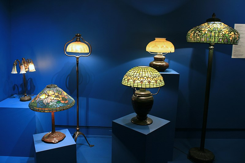 File:Tiffany Lamps - Mark Twain Museum.jpg