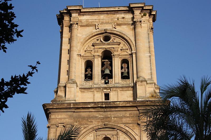 File:Torre catedral de Granada por parpadeo.jpg