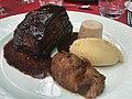 Travers de porc au caramel (Auberge Rouge, Saint-Maurice-de-Beynost) - 2.JPG