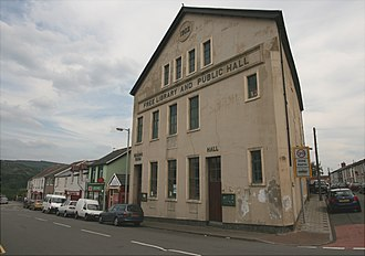 Trecynon - Image: Trecynon Public Hall and Library by Aberdare Blog