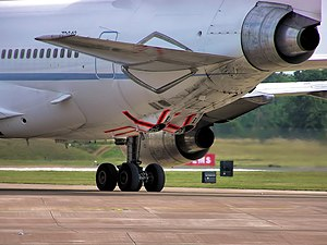 Lockheed TriStar (RAF) - The two refuelling points under the rear fuselage are painted with red stripes for visibility