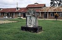Tropenmuseum Royal Tropical Institute Objectnumber 20028652 Monument ter nagedachtenis aan de Rev.jpg