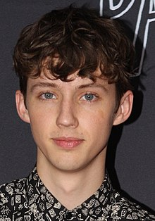 Troye Sivan July 2015 (cropped).jpg
