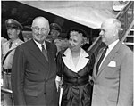 Trumans Leave for 1952 Democratic National Convention 73-3909.jpg