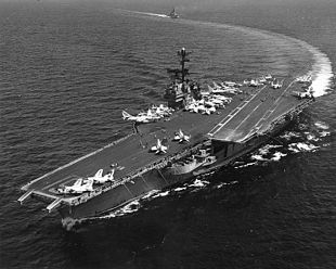 USS Ranger (CV-61) underway at sea circa 1978.jpg